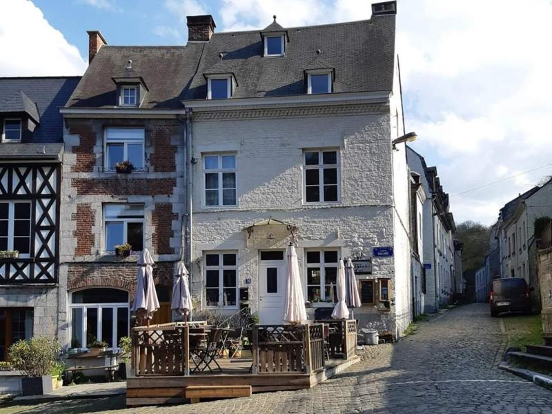 Les Mougneûs d'As à Bouvignes-sur-Meuse - Hôtel - restaurants - cafés - Hôtel - restaurants - cafés | Boncado - photo 2
